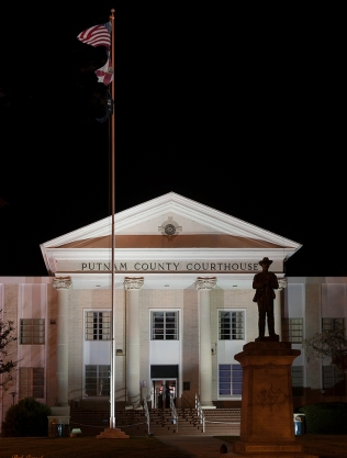 photo of Putnam County Courthouse at Night