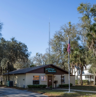 photo of Interlachen Town Office